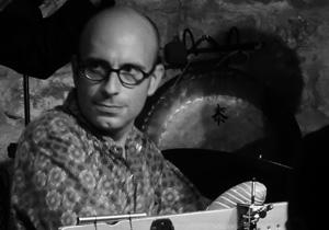 Francois_Collombon_congas_percussions
